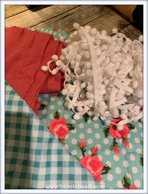 Valentine's Crafting with Cats Sneak Peek ©BionicBasil® The Pet Parade 391