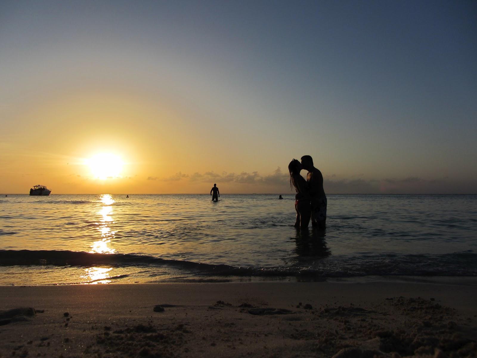 Desfrutar das magníficas praias com água e o sol na ISLA MUJERES | México