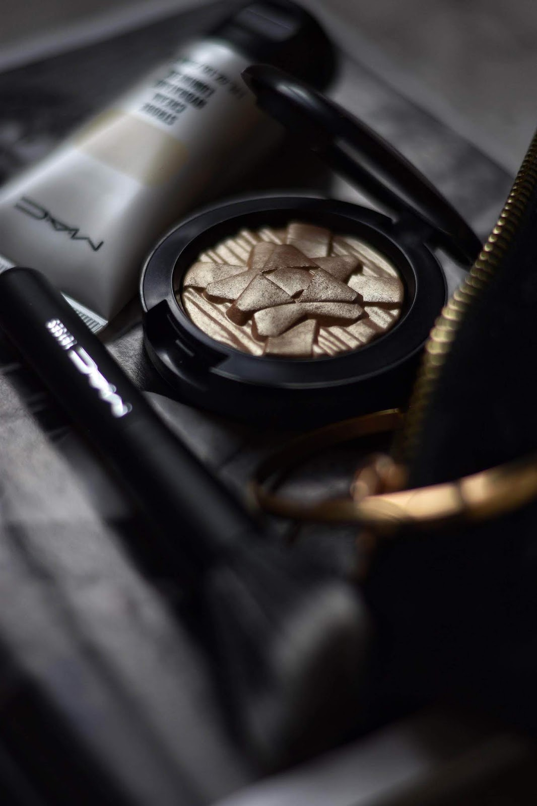j'ai-teste-highligther-extra-dimension-mac-cosmetics