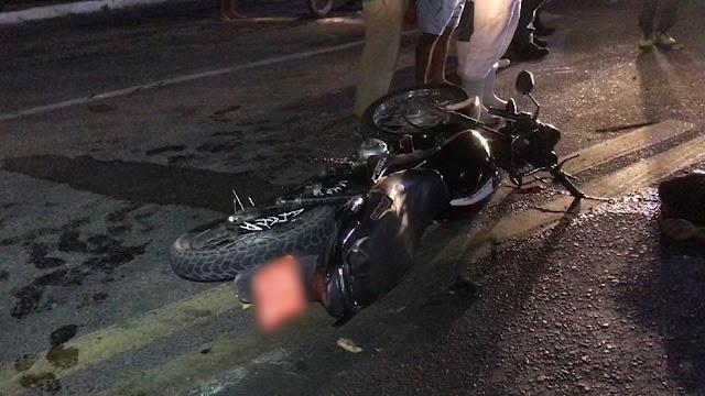 Duas pessoas morrem em acidente entre caminhão e moto na BR-226 no interior do RN