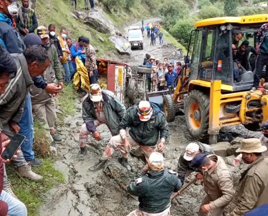 बादल फटा: जम्मू एंड कश्मीर के किश्तवाड़, अमरनाथ गुफा और हिमाचल के लाहौल स्पीति में क्लाउडबस्ट,13 की मौत 40 लापता