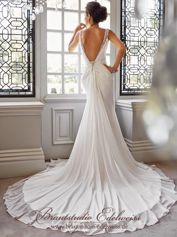Rückenfreies Brautkleid. Hochzeitskleid mit freiem Rücken. Aktuelle Kollektion 2015.