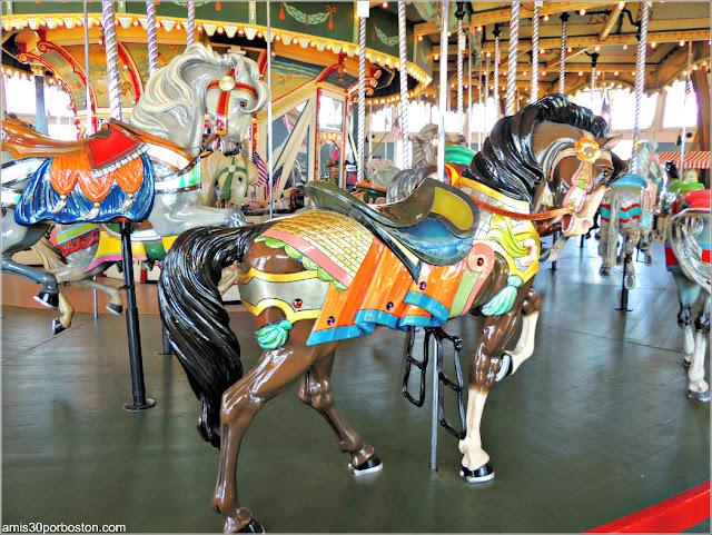 Caballo del Paragon Carousel en Nantasket Beach, Hull
