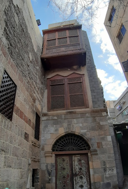 مشروع ترميم وحفظ بيت يكن في القاهرة التاريخية من خرابة ومرعى للأغنام إلى متحف فني ومعماري 2