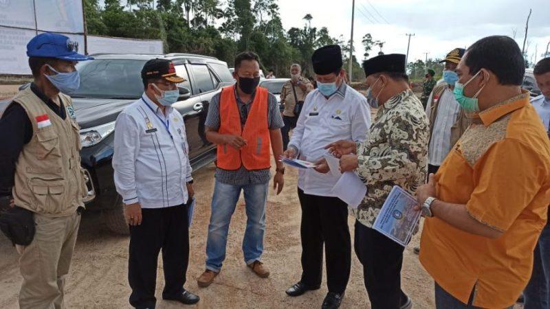 Tinjau Proyek Jalan Trans Batubi-Kelarik di Natuna , Isdianto Harap Ini Bermafaat untuk Masyarakat
