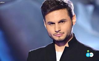Manuel Muñoz canta El Alma al Aire de Alejandro Sanz asaltos
