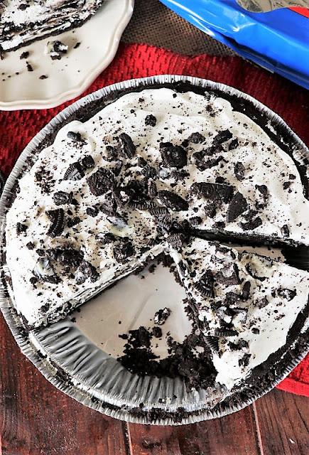 Easy Oreo Cookie Pie Image