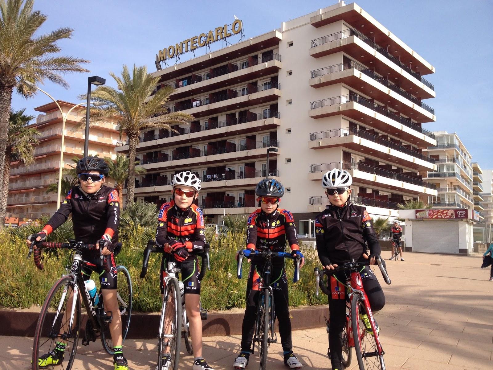Union cycliste bellevilloise ucb les benjamins rosas for Garage peugeot paris nice belleville
