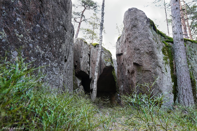 Kasakallion alueen kalliot tekevät mielenkiintoisia muodostelmia ja onkaloita