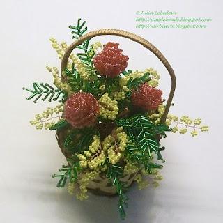 Розы с мимозой из бисера