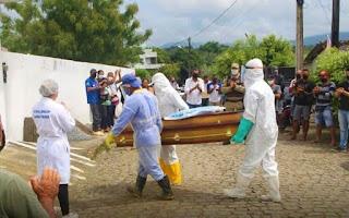 Após carreata, corpo de Jotinha é sepultado em Elísio Medrado