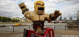 Figure: Is the P.E.K.K.A. a knight, samurai or robot?