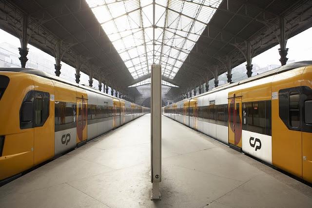 Trem em Porto e Portugal