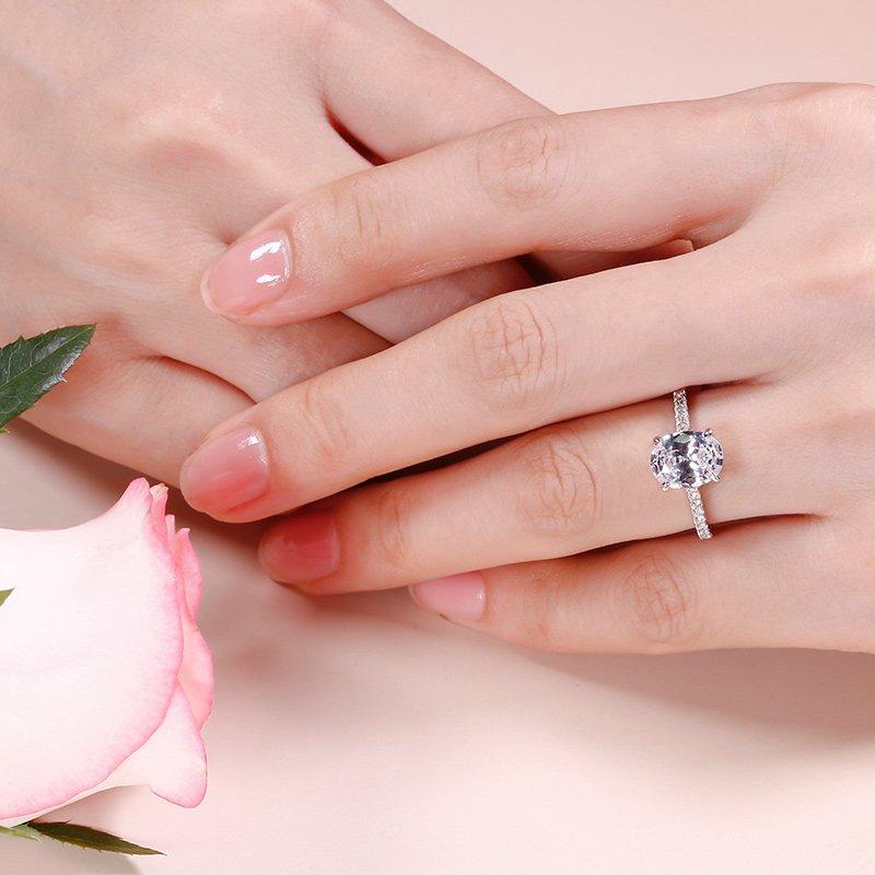 One-of-a kind stone: L'anello di fidanzamento