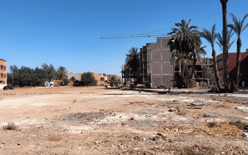 حقوقيون يدخلون على خط الاجهاز على قطعة أرضية مخصصة لإقامة مركز صحي وتعويضه بسوق عشوائي بمراكش