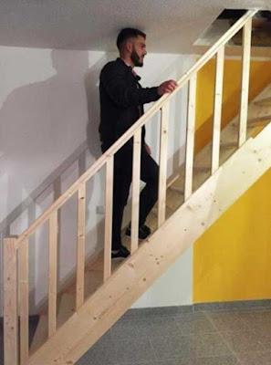 Un escalier sur mesure, mais un peu trop petit.