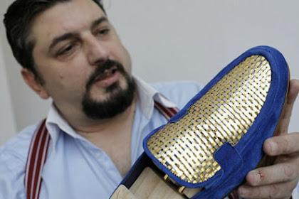 Perajin Ini Buat Sepatu Berlapis Emas 24 Karat Pertama di Dunia