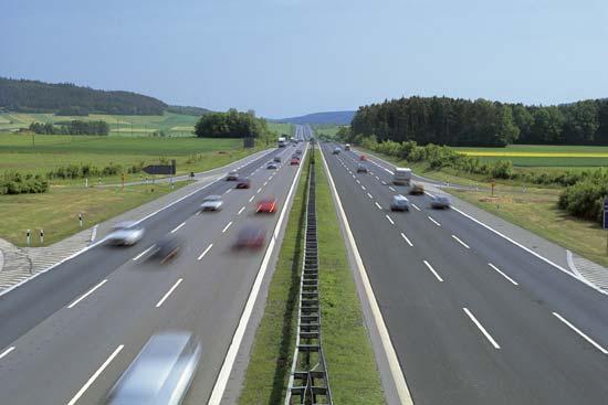 رجل ينسى زوجته على أحد الطرق السريعة في ألمانيا