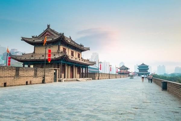 กำแพงเมืองซีอาน (Xian City Wall) @ www.viator.com