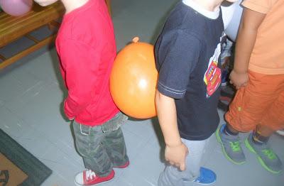 Αποτέλεσμα εικόνας για παιδια παιζουν μπαλονι