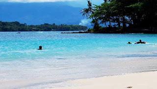 Pantai Pasir Putih Yen Bebay