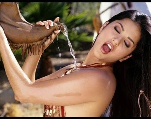 nude sunny leone group sex