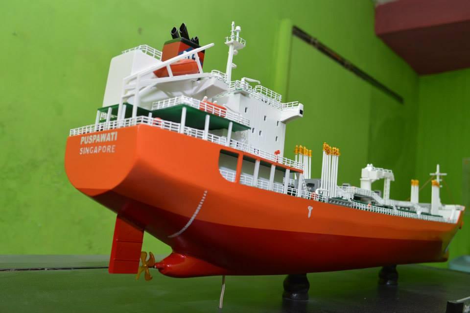 produsen pengrajin miniatur kapal tanker mt puspawati mid fighter pt pertamina rumpun art work planet kapal indonesia