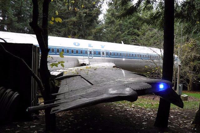 Γιατί αυτό το αεροπλάνο της Ολυμπιακής βρίσκεται σε ένα δάσος των ΗΠΑ;