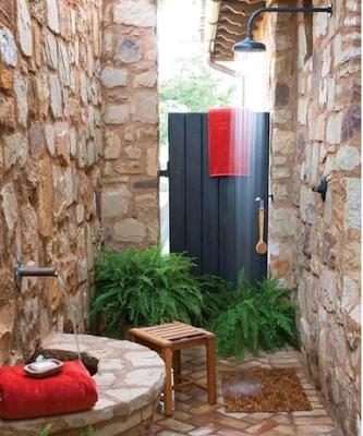 desain kamar mandi ala pedesaan yang asri
