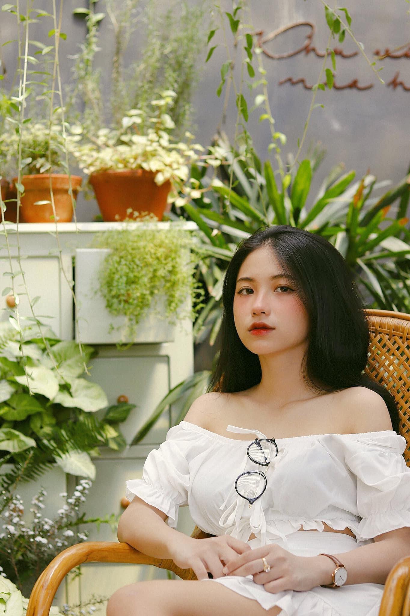 Hot girl Nguyễn Thị Kim Anh xinh xắn và cực dễ thương - 2