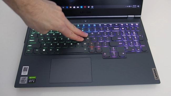 The Lenovo Legion 7i's keyboard was tested for flex. It was pressed down hard intentionally. So, some flex found. But, during normal use, there is not a single problem due to all-metal sturdy build.