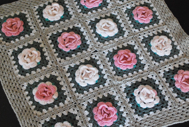 Roses Afghan | Yeti Crafts