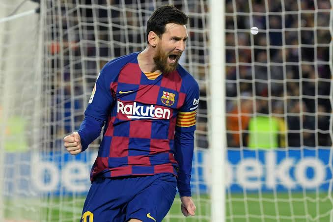 Messi to officially announcement Barcelona stay  in coming minutes