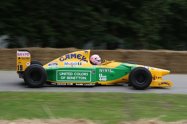 Gambar Mobil Balap F1 Benetton 01