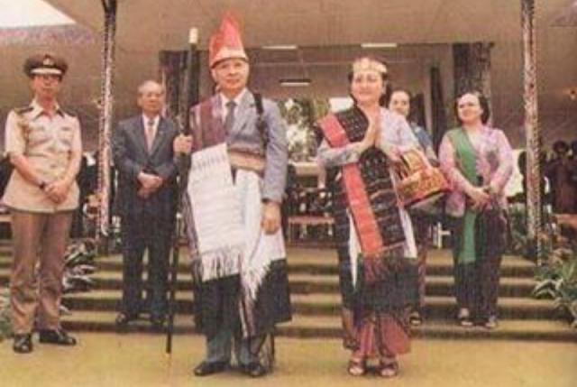 Soeharto di Samosir danau toba