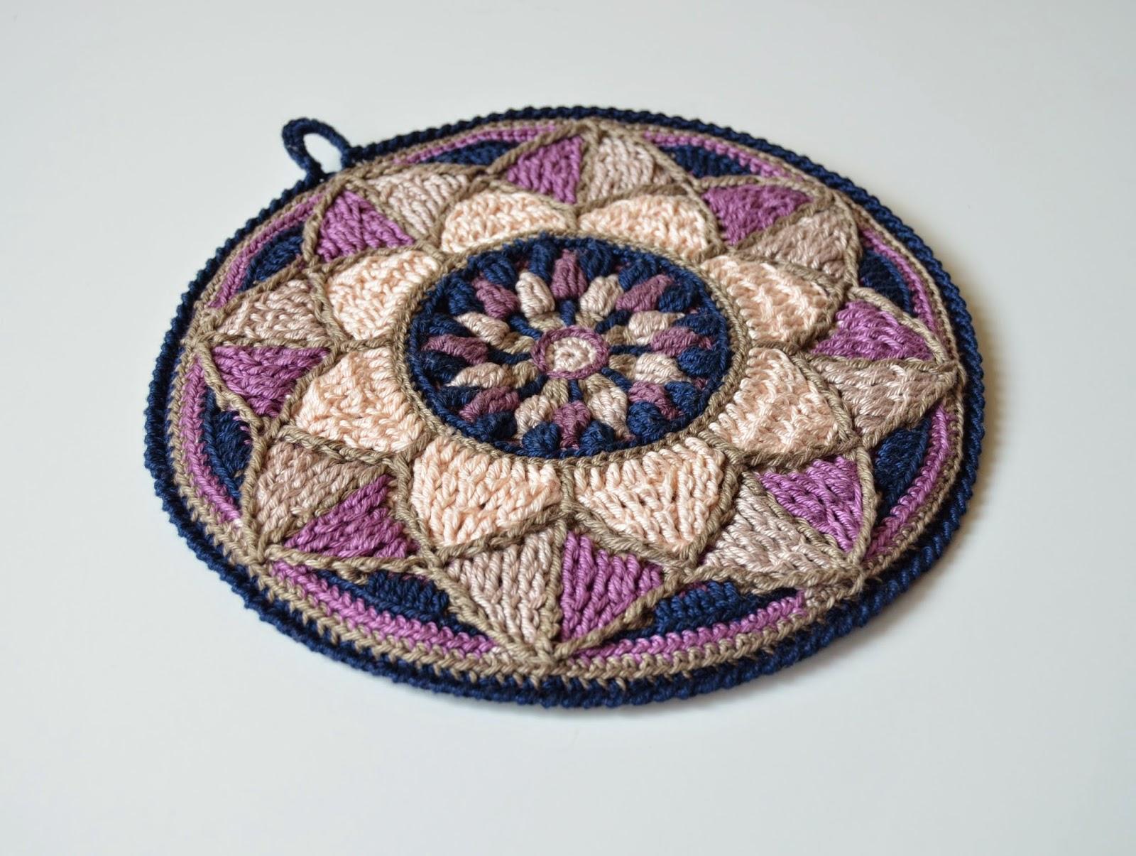 Stained Glass Mandala Potholder   LillaBjörn\'s Crochet World
