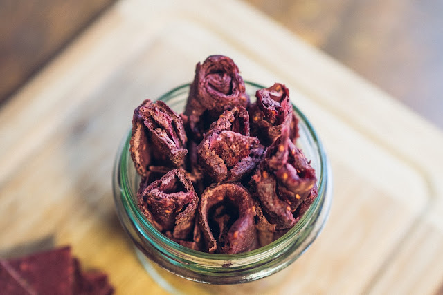Outdoor Kitchen 06 – Fruchtleder Himbeer-Banane-Vanille  Dörrgerät  Trekkingnahrung selbst gemacht  DIY-Trekkingfood  Outdoorfood 10