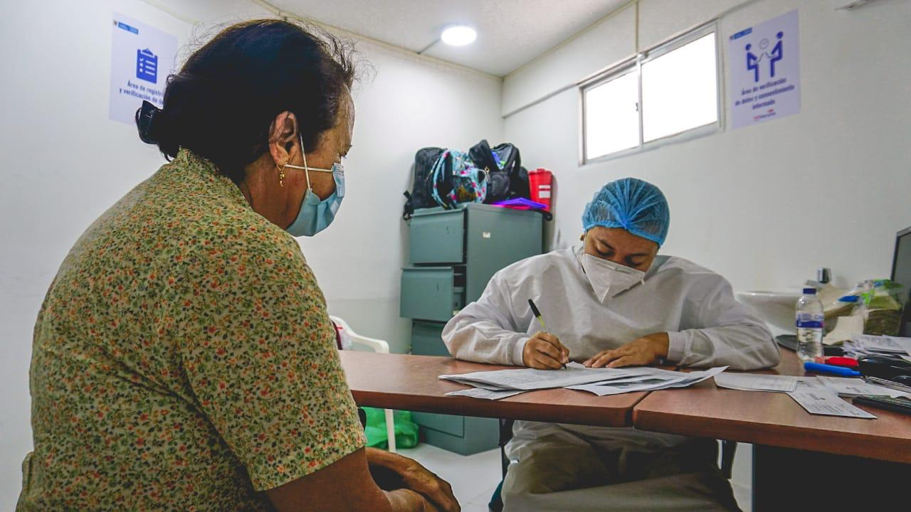 hoyennoticia.com, Covid-19: Riohacha comenzó vacunaciones a mayores de 60 años