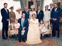 Ternyata ada Pesan Tersembunyi pada Outfit Keluarga Kerajaan Inggris