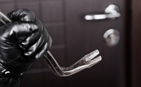 Üzletekből, lakásból és tárolóból is lopott egy szolnoki férfi
