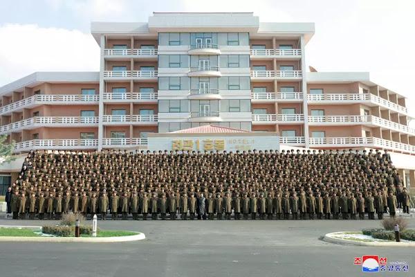 Kim Jong Un has photo session with Yangdok construction KPA commanders, December 7, 2019