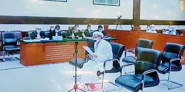 Tutup Pledoi Dengan Doa, Habib Rizieq Minta Divonis Bebas Dan Dikembalikan Nama Baiknya