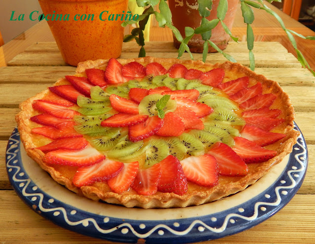 Tarta De Manzana Y Frutas De Temporada