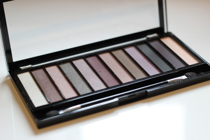 Romantic smoked palette