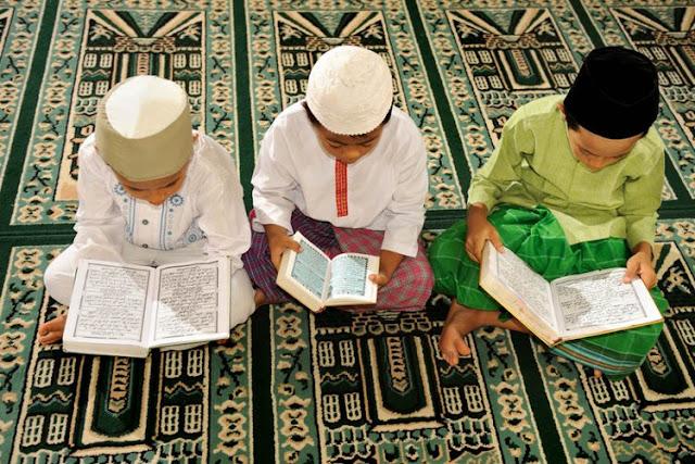 Belajar Membaca Alquran pada Anak-anak
