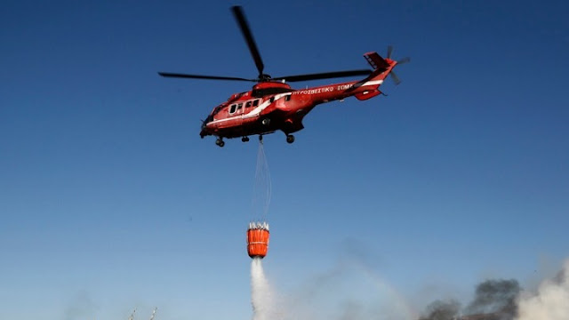 Σε ύφεση μεγάλη πυρκαγιά που εκδηλώθηκε στη Νέα Μάκρη - Απείλησε σπίτια