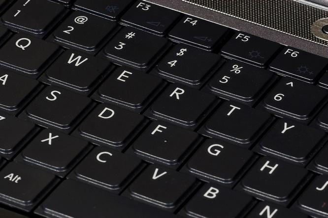 memutuskan atau berbelanja keyboard komputer mungkin dinilai cuma kasus remeh 10 Tips Memilih Keyboard Komputer Yang Berkualitas Baik