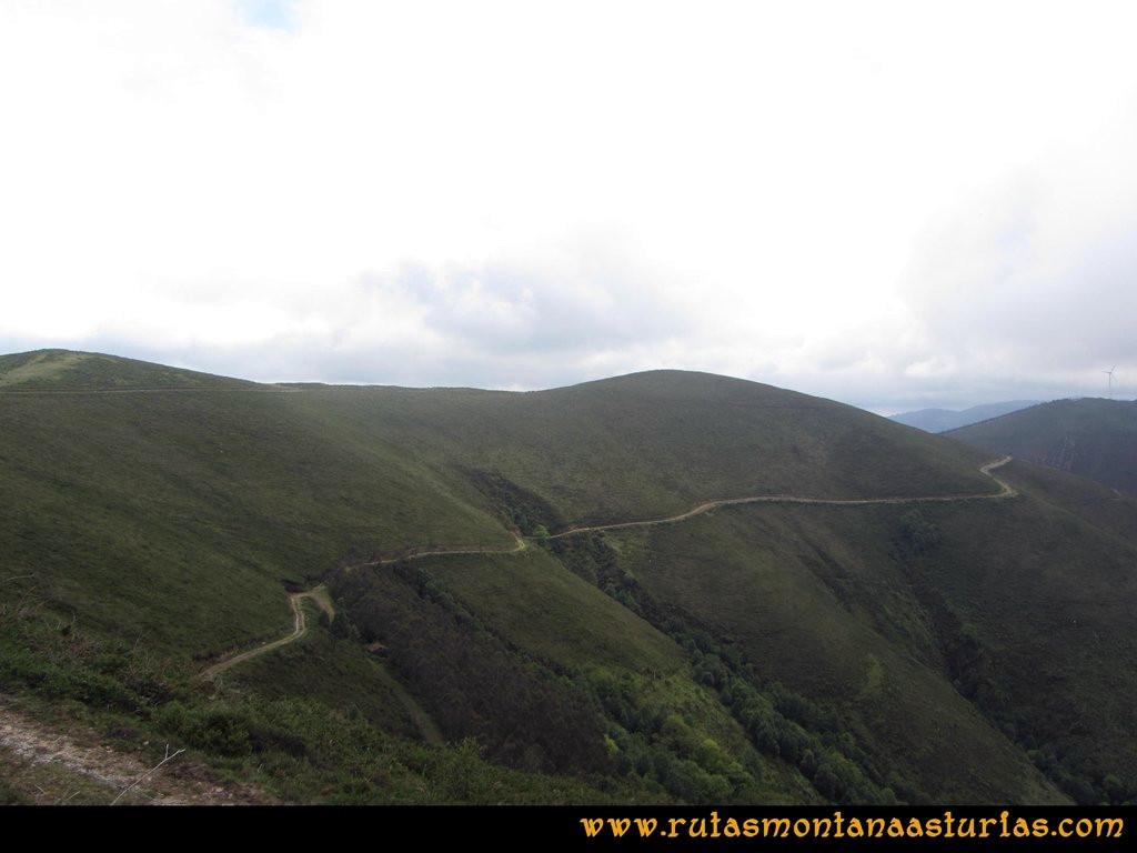 Ruta Llan de Cubel y Cueto: Camino a media ladera