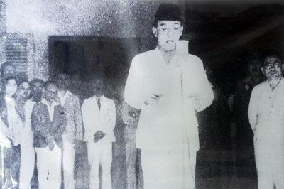 Indonesia pada Masa Demokrasi Terpimpin, Awal Kemerdekaan, dan Demokrasi Liberal