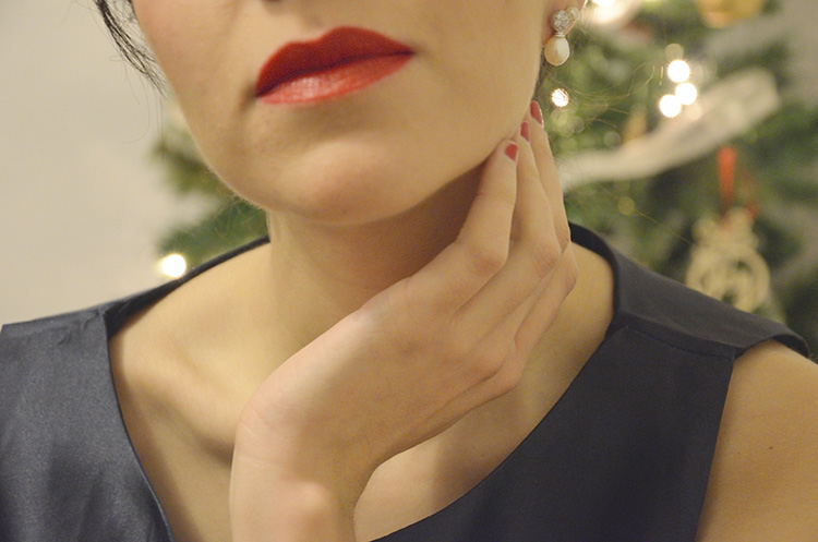 fin-de-año-a-slow-wish-blogger-trends-gallery-look-outfit-red-lips-dress